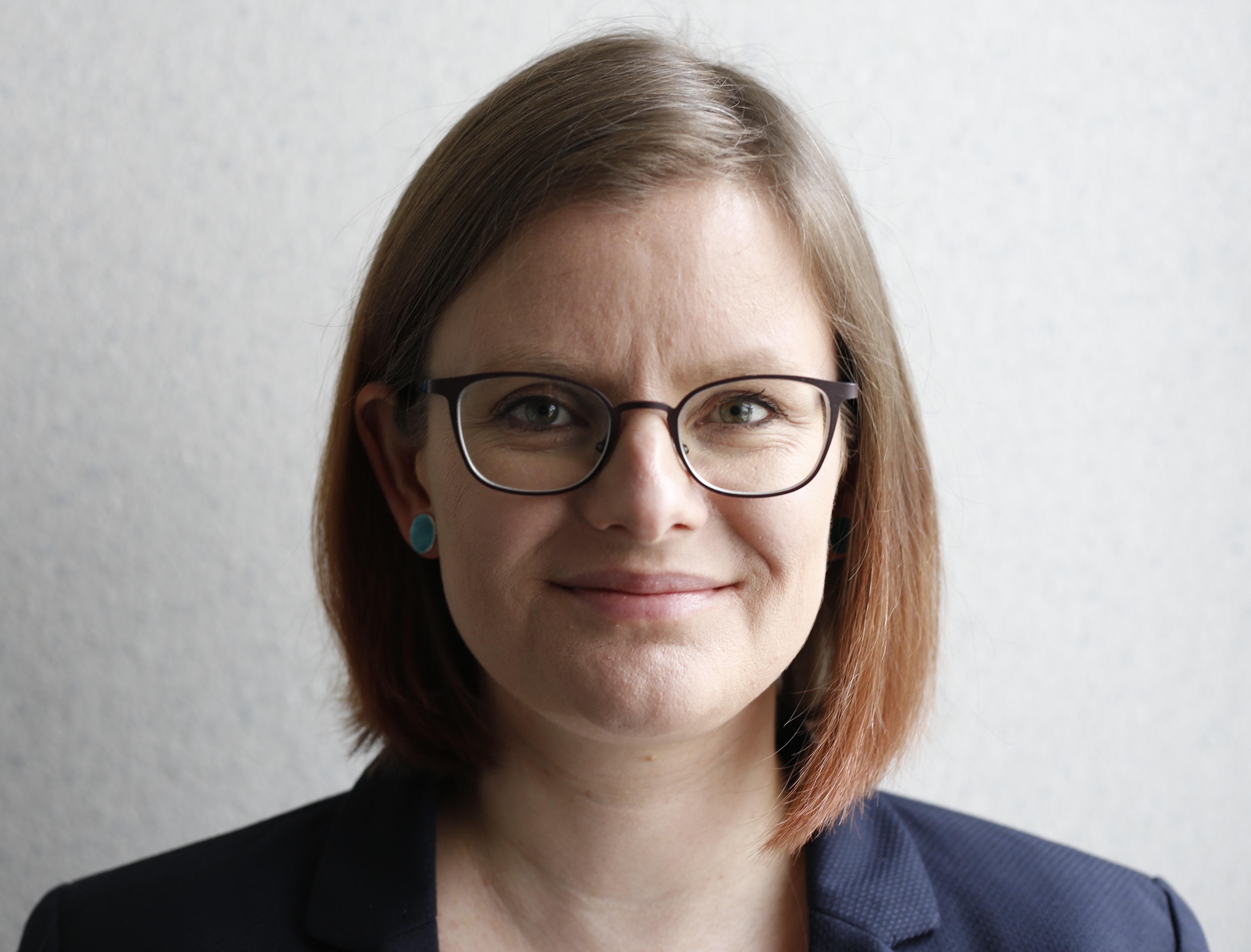 Hansen, Dr. Solveig Lena